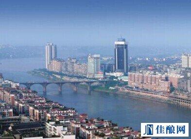 泸州:强化白酒产业结构调整