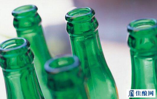 贵州安顺:空啤酒瓶不再回收图片