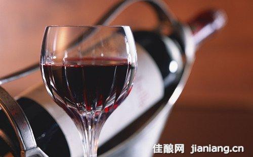 """很多葡萄酒都标注了""""含二氧化硫"""""""