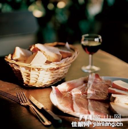 牛排配红酒-自驾意大利 开启美食之旅 5