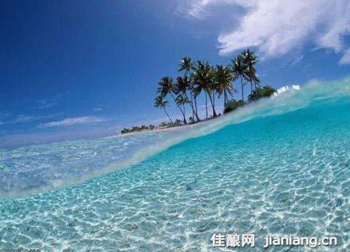 荒岛蜜月    马尔代夫纯净的自然,美丽的风光特别适合家庭休闲度假