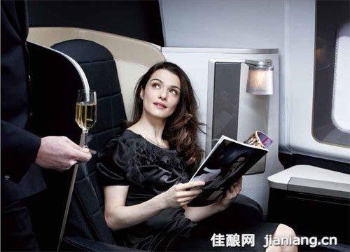 飞机上的葡萄酒 给空中旅途一个惊喜
