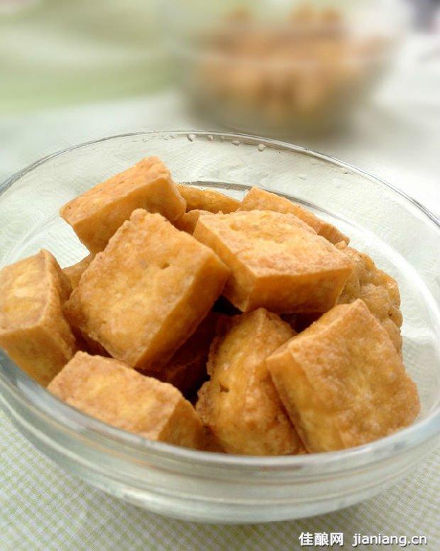 油炸豆腐的家常做法_油炸油豆腐