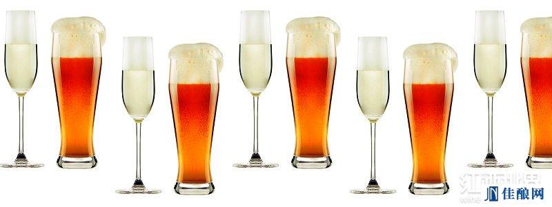 当啤酒或香槟装瓶时,二氧化碳就会在压强的作用下装入瓶中.