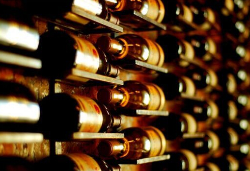 郎咸平:中国葡萄酒之惨烈 酒企脱不了干系