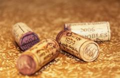 葡萄酒为什么会有螺旋盖,软木塞一定比螺