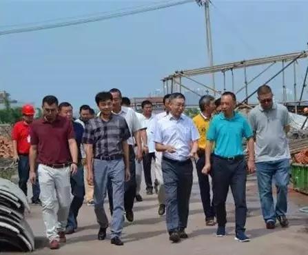 郎酒董事长汪俊林率领导班子考察重点工程项目