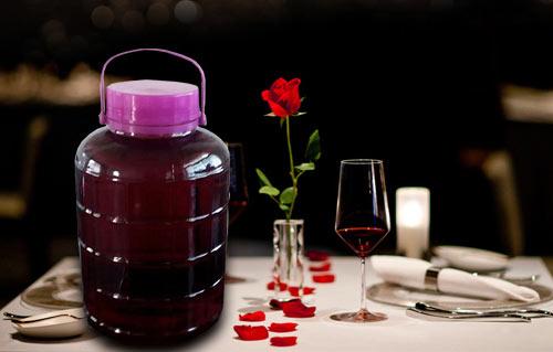自酿葡萄酒的酿造过程