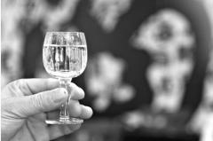 中国光瓶酒营销白皮书2017版出炉