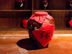 酱酒企业纷纷提速 如何搅动酒业格局?