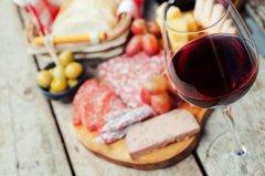 专家教你搭配熟食与葡萄酒