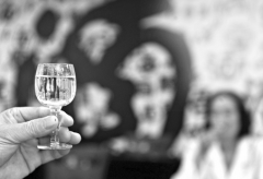 名酒高歌猛进、豫酒酒企艰难求生 350亿河南市场走向何方?