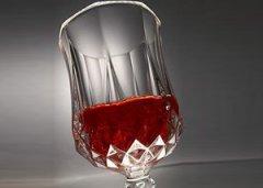 风口下的隐忧 保健酒还要跨过多少门槛?
