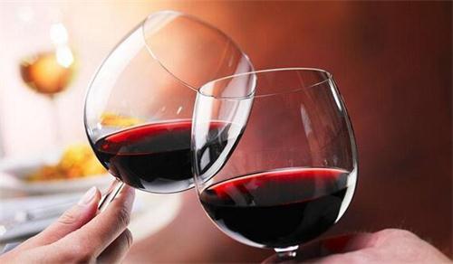 品葡萄酒的过程步骤