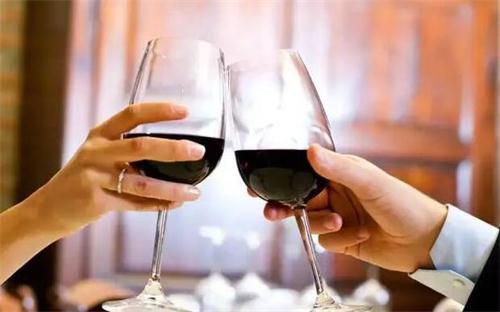 选酒友和选酒一样重要