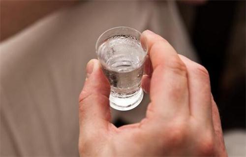 38°、42°、52°的白酒,度数差这么多,到底哪种喝起来更健康?