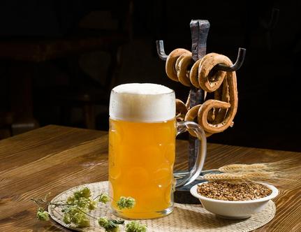 """啤酒股""""寒冬""""高端市场选择机会"""