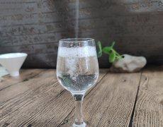 中国到底哪里的浓香型白酒最好喝?